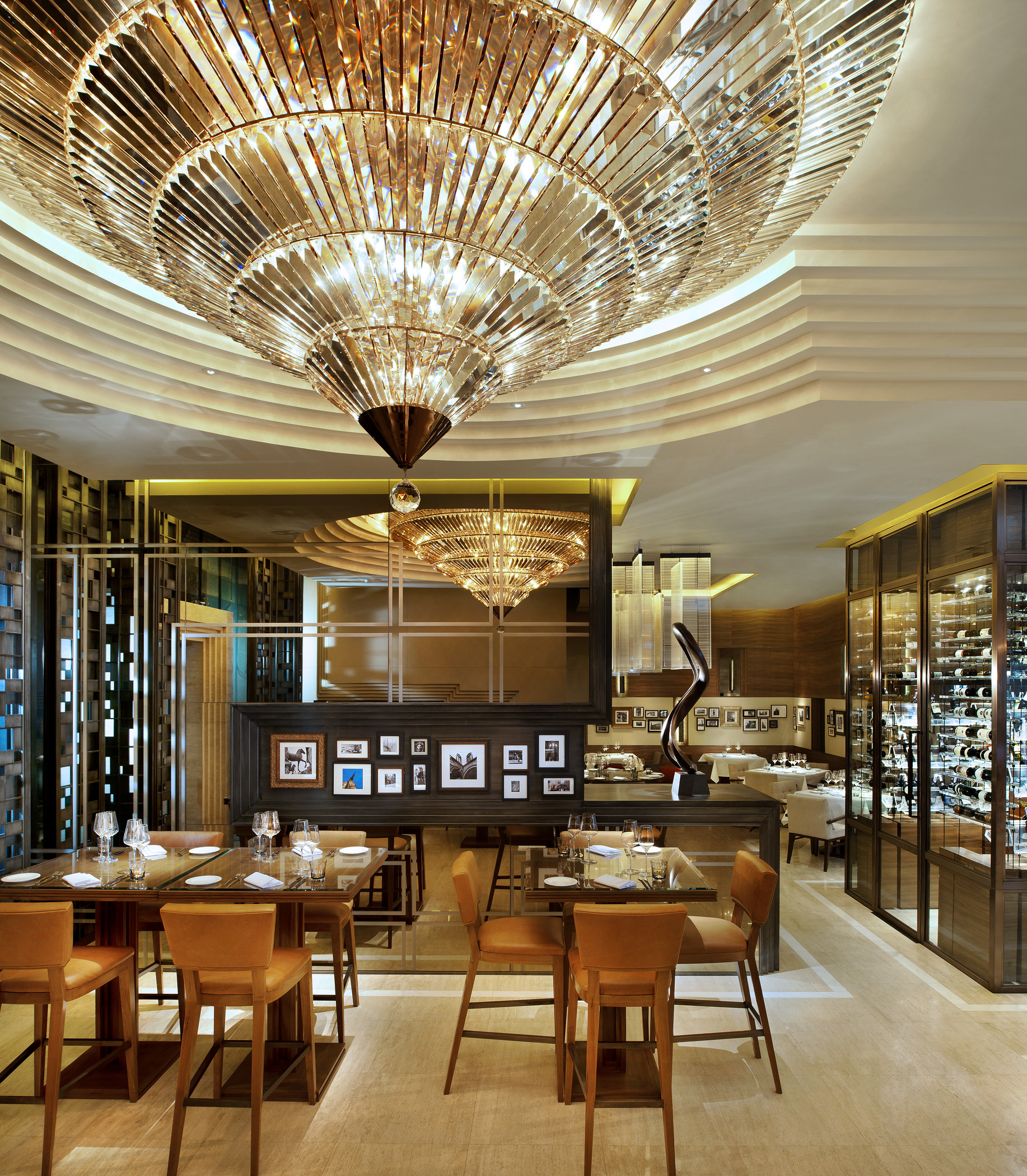 Jojo Restaurant_High table1