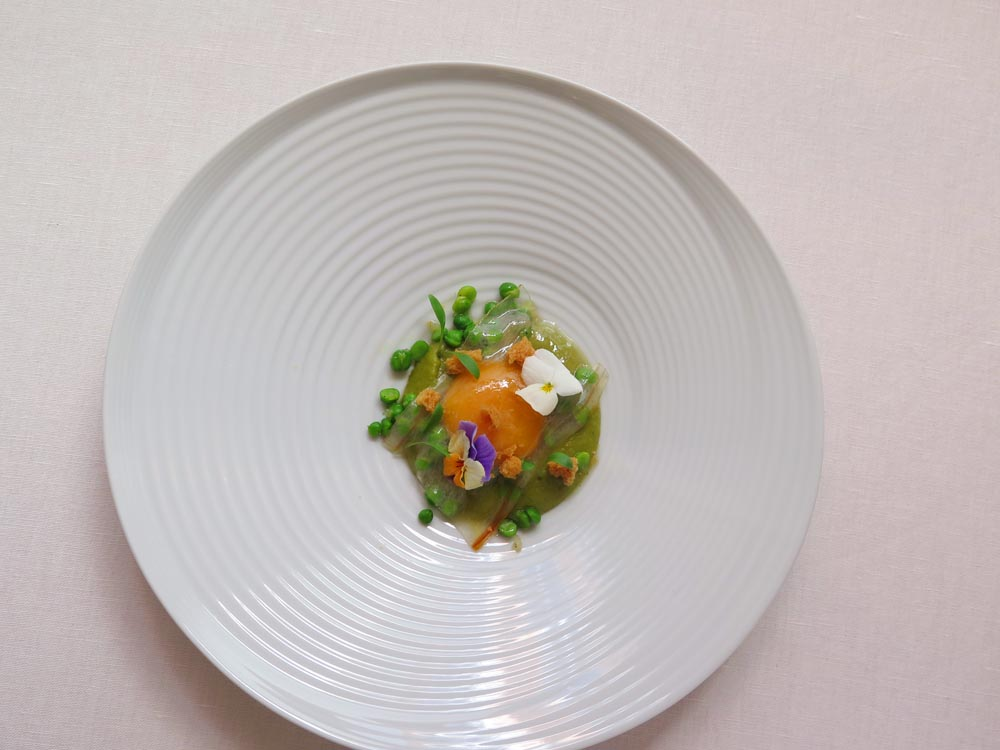 José Avillez - Smoked egg yolk with pea and bacon stew purée - 1