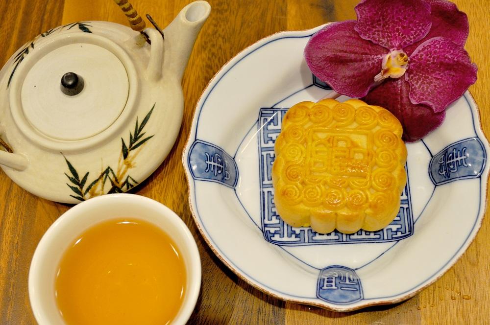 Custard Mooncake_Xin Tian Di_Crowne Plaza Bangkok Lumpni Park 03