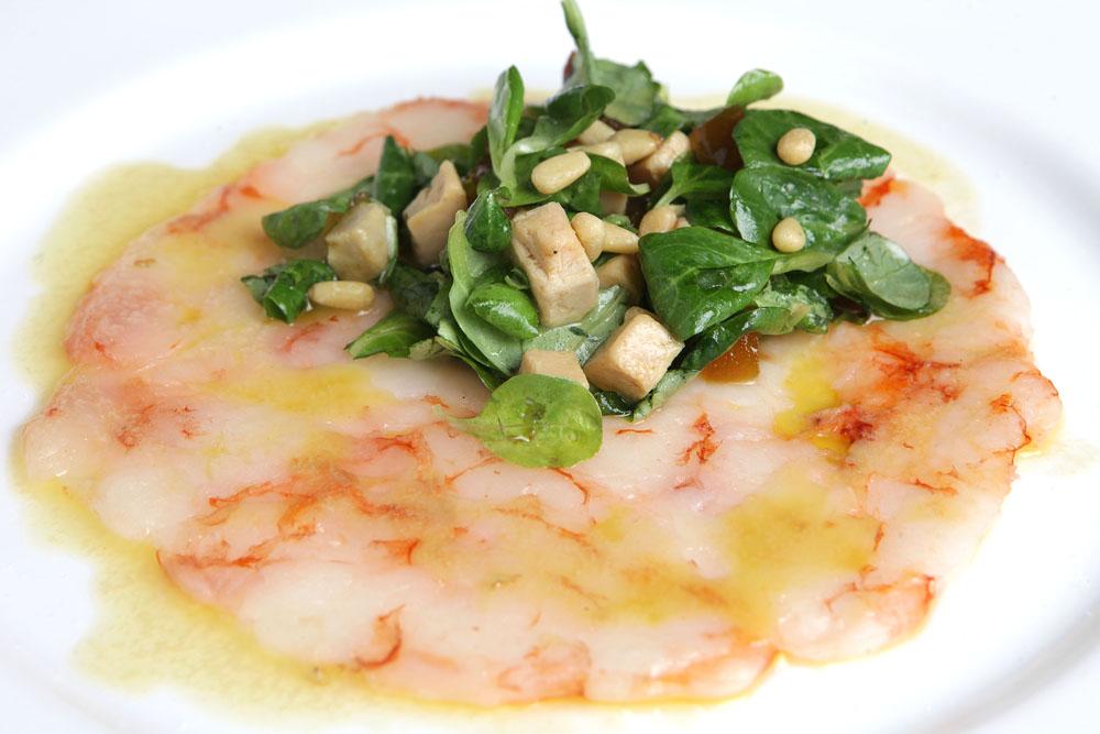 carpaccio-di-gamberi-tiepido-valeriana-foie-gras-mostarda-piccantepi